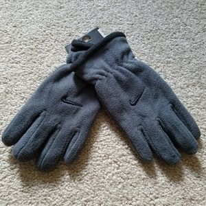 New Youth Nike Gray Gloves